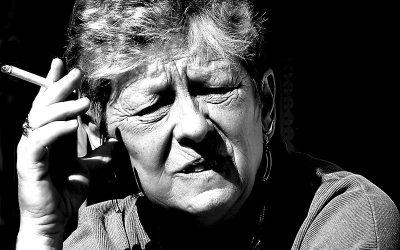 Les risques et effets du tabac sur les personnes âgées